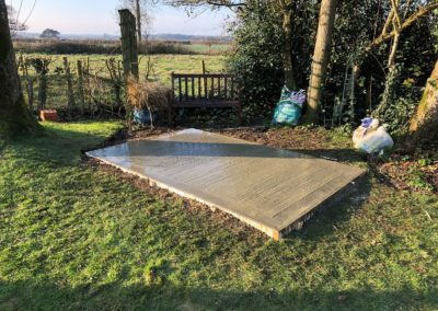 Small concrete base Winchester